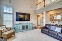 Lots of natural light. - 17720 CRICKET HILL DR, GERMANTOWN