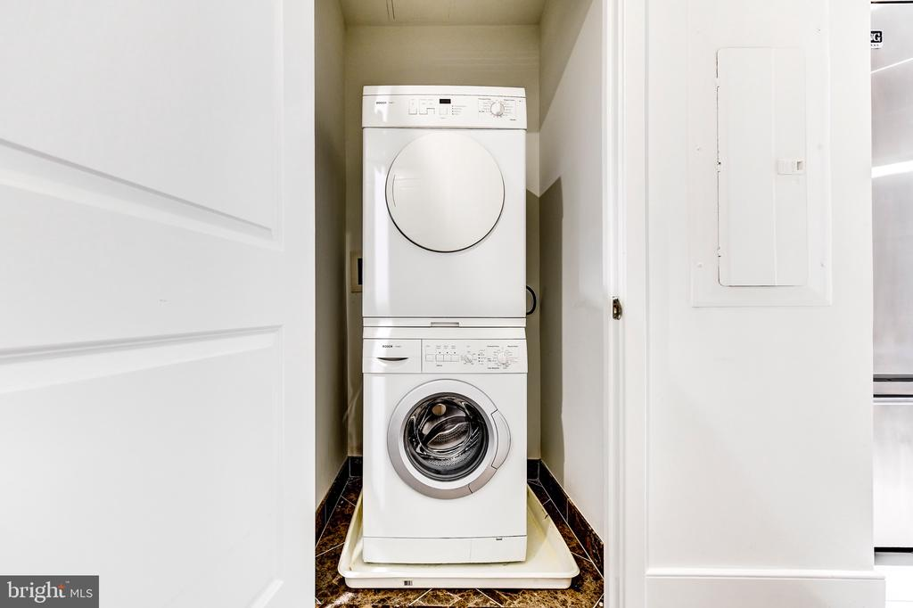 Washer and dryer - 4301 MILITARY RD NW #112, WASHINGTON
