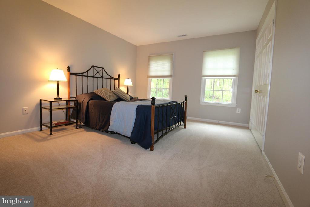 Bedroom 2 (15' x 12') - 10651 OAKTON RIDGE CT, OAKTON