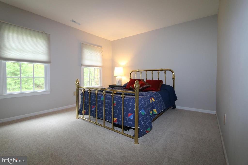 Bedroom 3 (14' x 11') - 10651 OAKTON RIDGE CT, OAKTON
