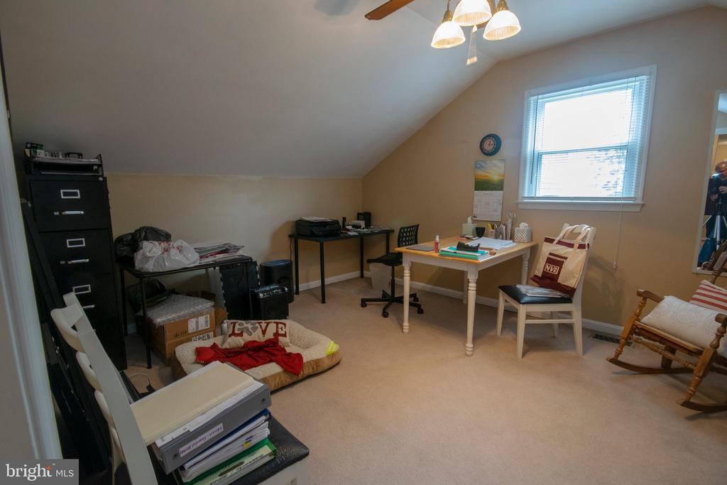 Bedroom 4 - 29 BURNS RD, STAFFORD