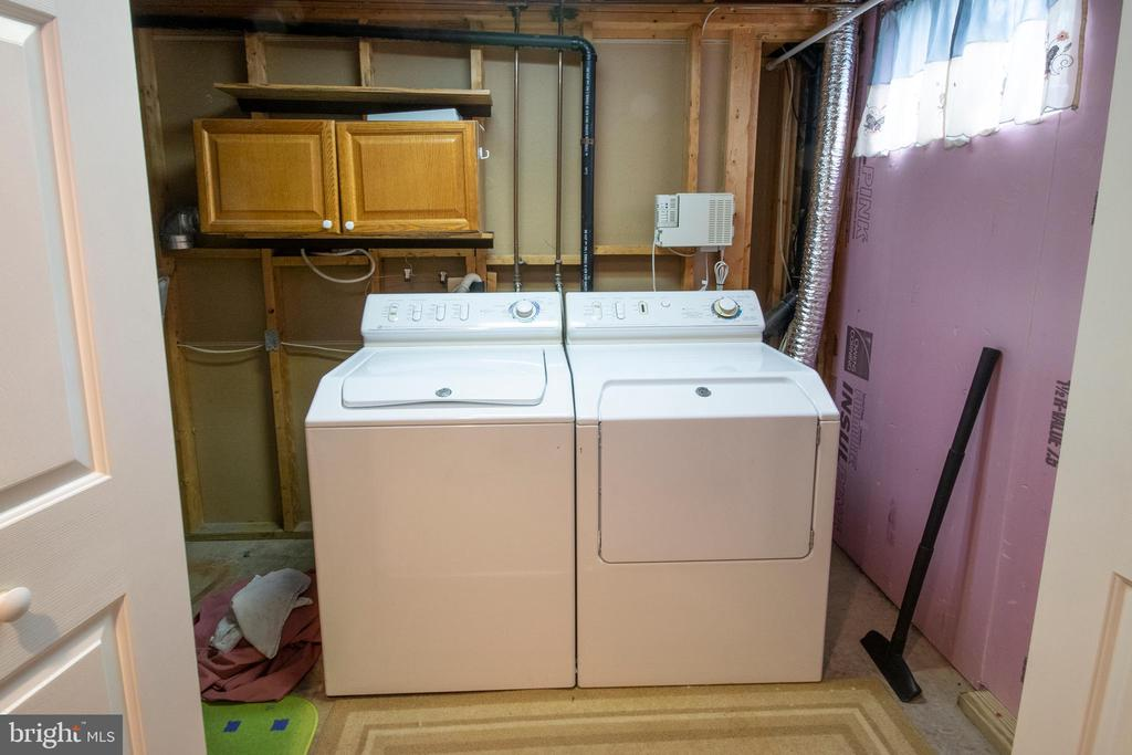 Laundry room in lower level. - 29 BURNS RD, STAFFORD
