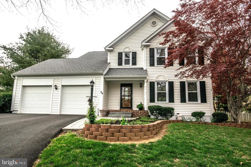 Well maintained home in Hampton Oaks community - 29 BURNS RD, STAFFORD