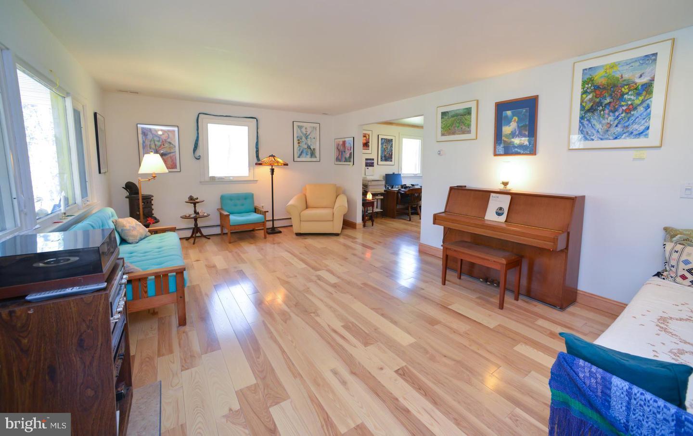 Additional photo for property listing at  Gibbsboro, 新泽西州 08026 美国
