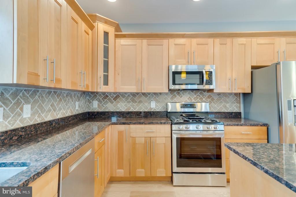Chef~s kitchen - 1122 6TH ST NE, WASHINGTON