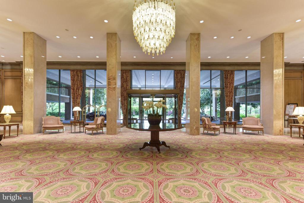 Beautiful lobby - 2801 NEW MEXICO AVE NW #1211, WASHINGTON
