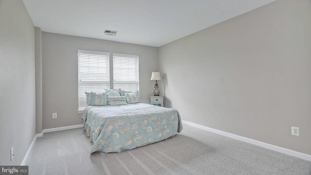 Bedroom 2, new carpet - 43262 LECROY CIR, LEESBURG