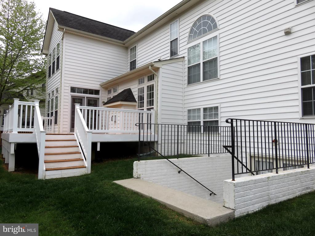 House Rear - 43262 LECROY CIR, LEESBURG