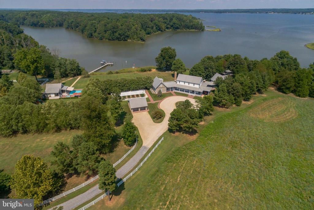 Charleston Point Farm with pool house and pool - 15270 HATTON LANDING DR, NEWBURG