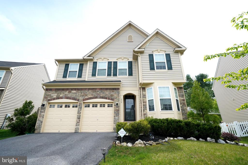Front Exterior - 232 WINDOM WAY, FREDERICK