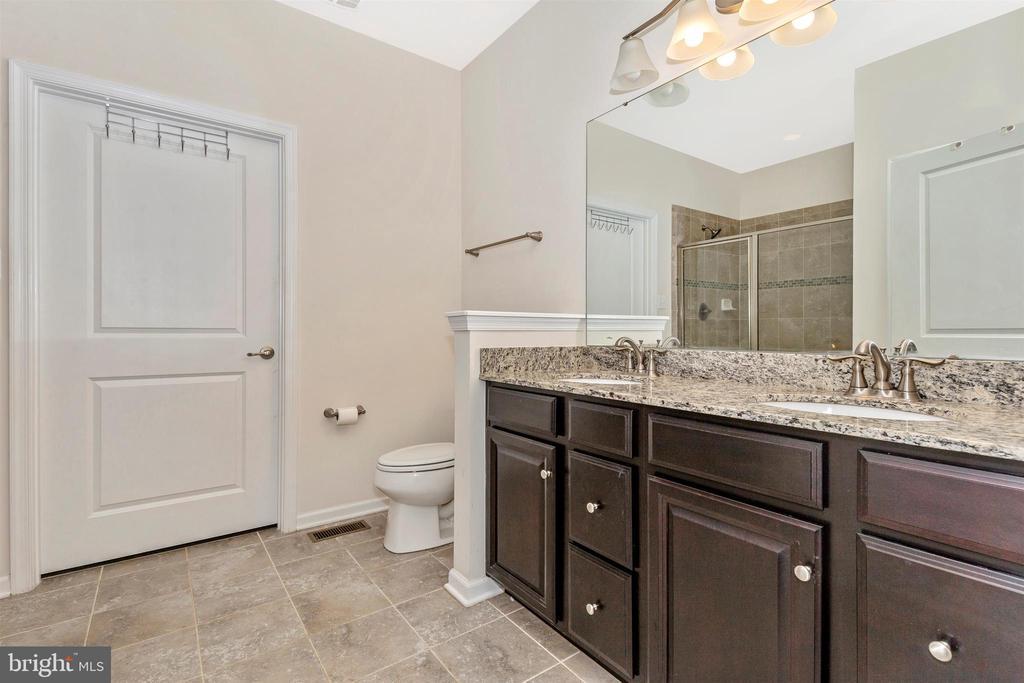 Main Floor Master Bath w/ Dual Vanities - 1287 DRYDOCK ST, BRUNSWICK