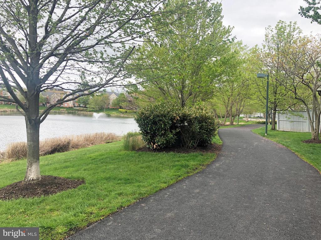 short walk to pond - 12222 DORRANCE CT, RESTON