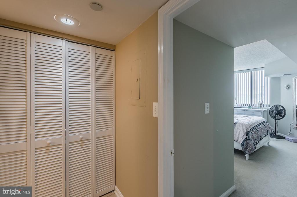 Laundry Room is located between both bedrooms. - 1001 N RANDOLPH ST #819, ARLINGTON