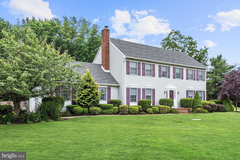 Single Family Homes için Satış at Cream Ridge, New Jersey 08514 Amerika Birleşik Devletleri