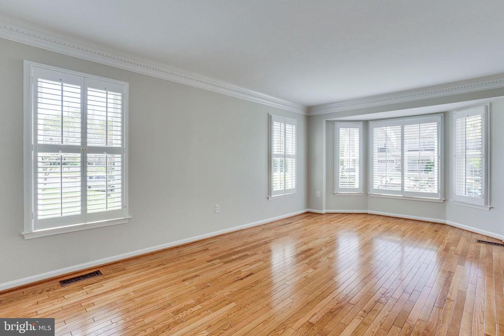 Living Room with Bay Window and Plantation Shutter - 2106 ROBIN WAY CT, VIENNA