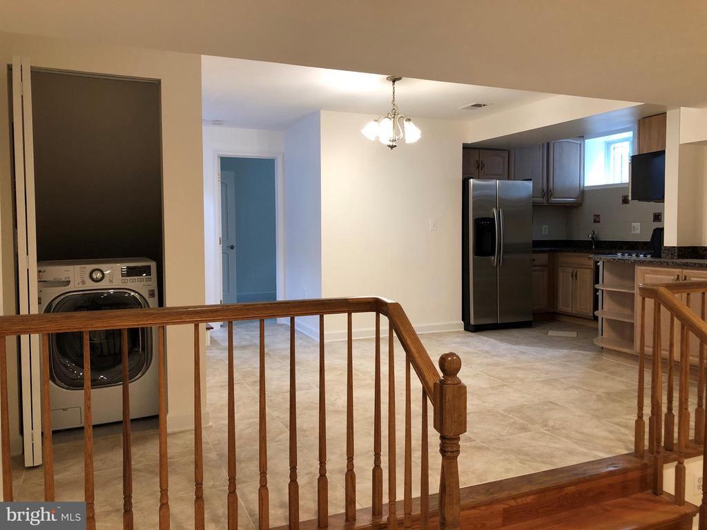 Basement Dining area/ laundry - 656 9TH ST NE, WASHINGTON