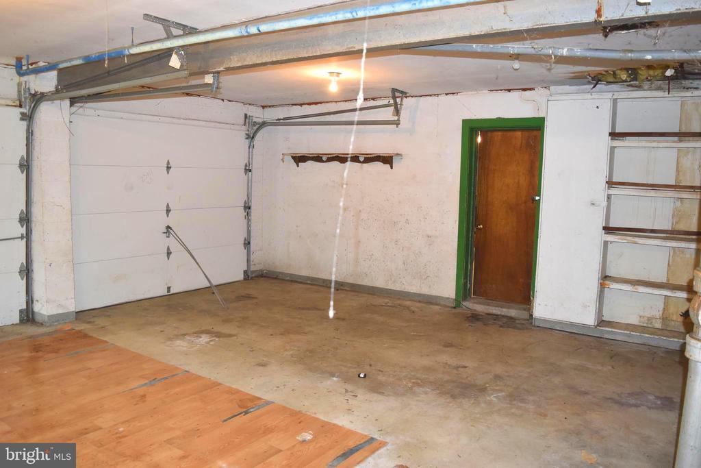 Attached Garage - 95 CLARK PATTON RD, FREDERICKSBURG