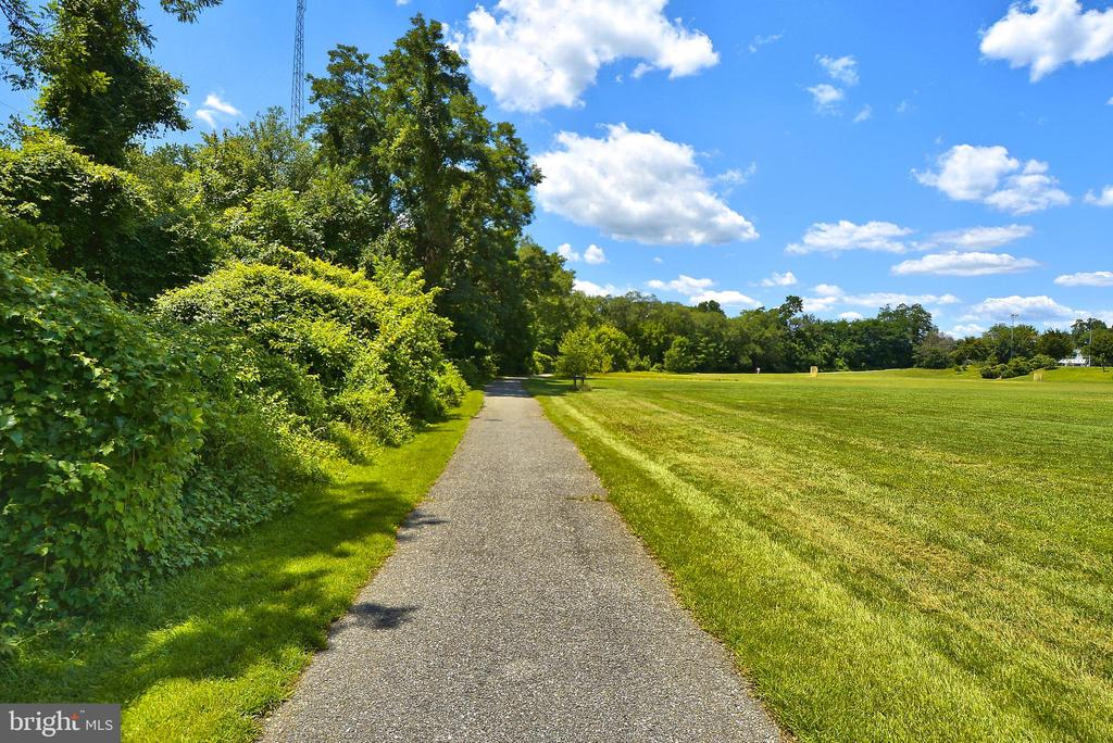 Annapolis City Park walkway - 7016 CLINTON CT #22A, ANNAPOLIS