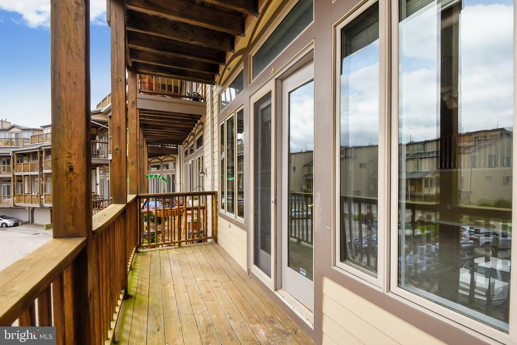 Large windows &  doors to maximize water views. - 7016 CLINTON CT #22A, ANNAPOLIS
