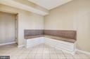 Custom built in seating. - 7016 CLINTON CT #22A, ANNAPOLIS