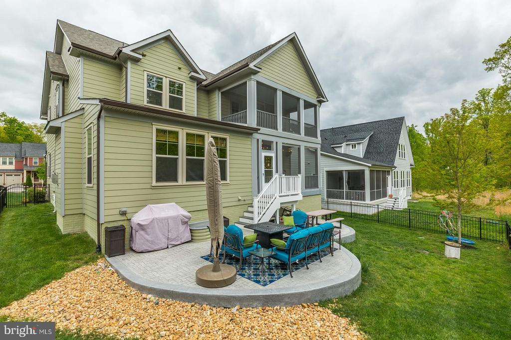 Dual screened porches & fenced yard - 17109 GULLWING DR, DUMFRIES