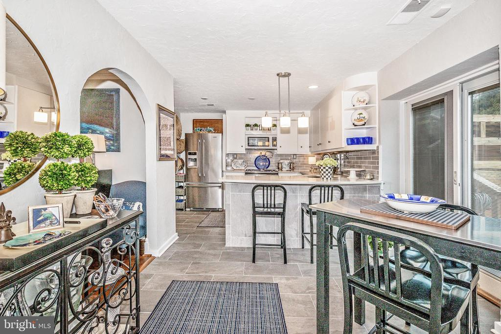Fabulous kitchen with breakfast bar - 12 SPA CREEK LNDG #A, ANNAPOLIS