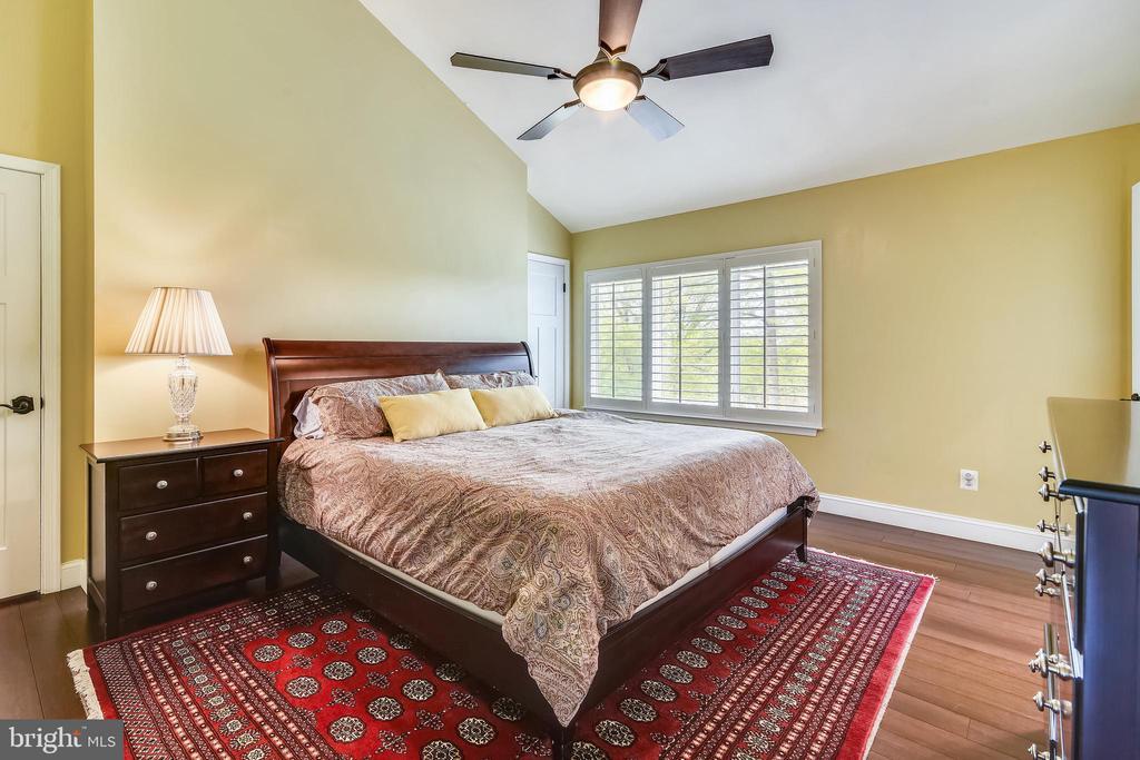 MASTER BEDROOM upper level - 3425 N RANDOLPH ST, ARLINGTON