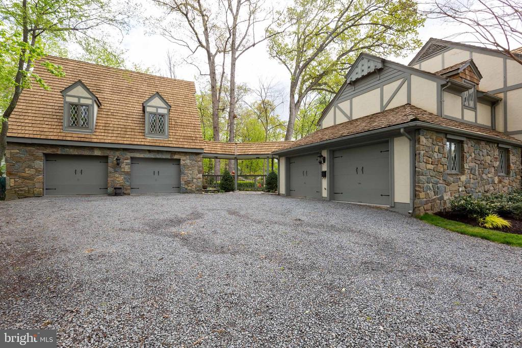 Attached and detached garage - 1020 MONROE ST, HERNDON
