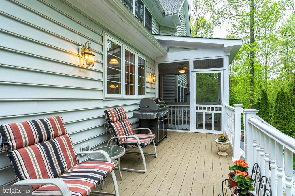 Relax on your deck - 20 WINDSONG WAY, STAFFORD
