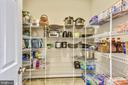 Wow! A Walk- in Pantry! Don't get lost! - 17966 WOODS VIEW DR, DUMFRIES