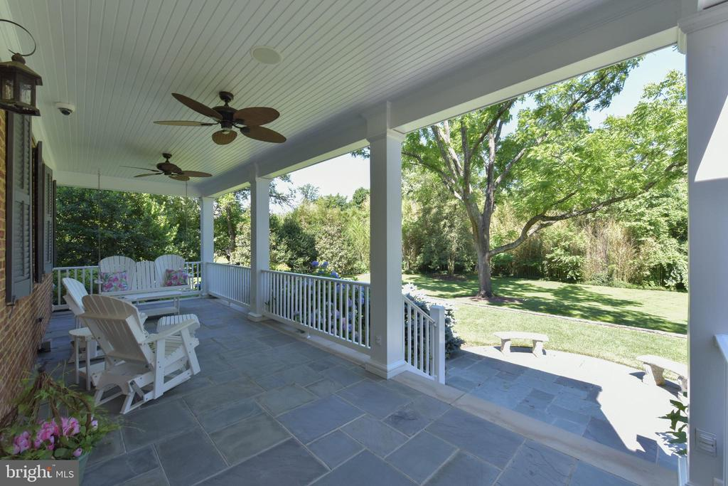 Beautiful front porch - 5937 TELEGRAPH RD, ALEXANDRIA