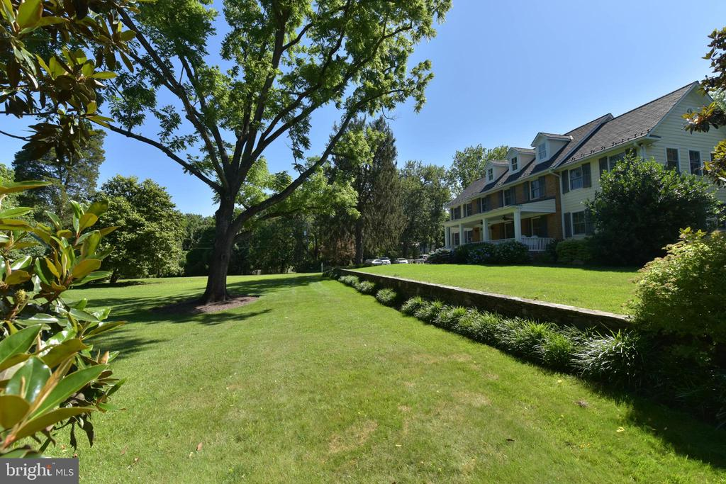 Exceptional grounds - 5937 TELEGRAPH RD, ALEXANDRIA