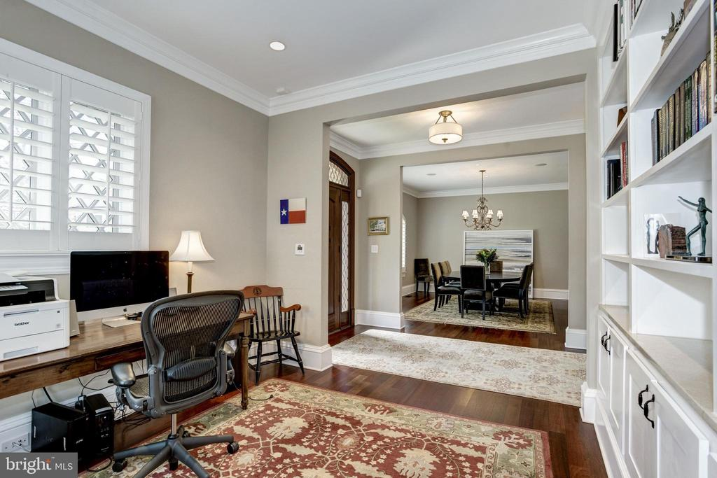 dining room and den on either side of foyer - 6537 36TH ST N, ARLINGTON
