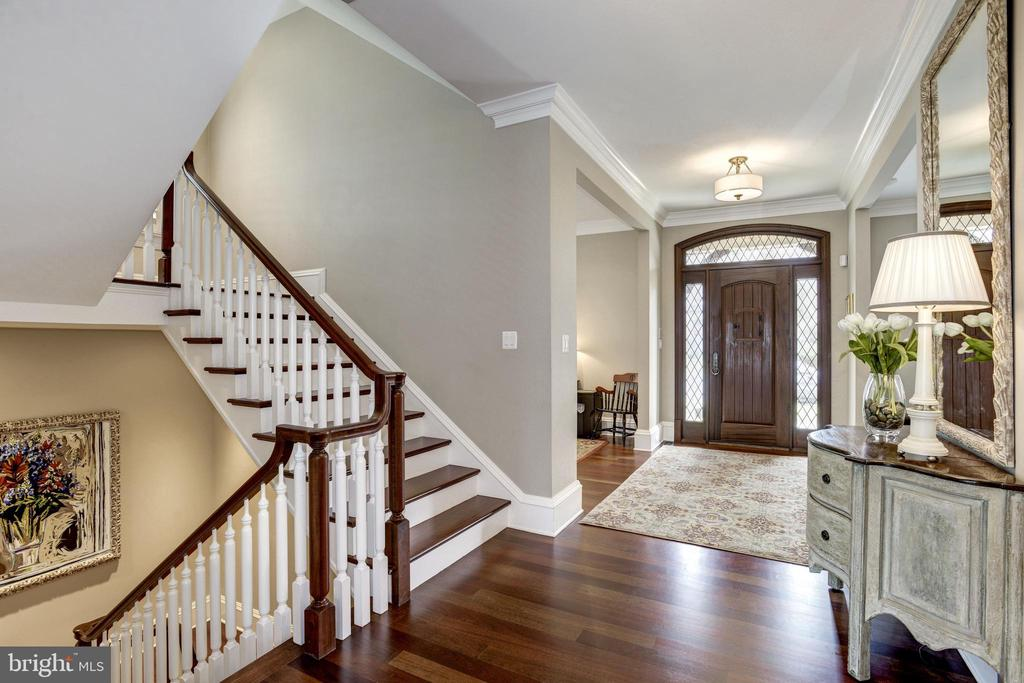 custom details extend throughout well-crafted home - 6537 36TH ST N, ARLINGTON