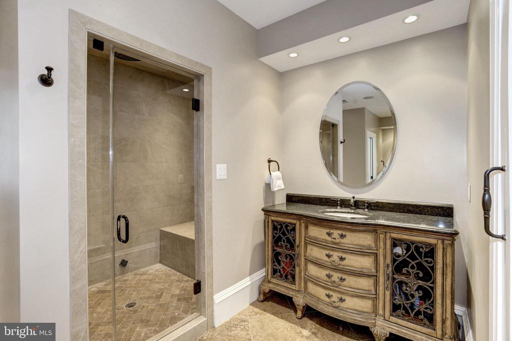 oversized shower with seat, separate vanity - 6537 36TH ST N, ARLINGTON