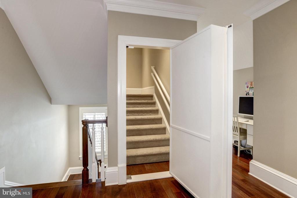 entry to the top floor bonus room--how fun! - 6537 36TH ST N, ARLINGTON