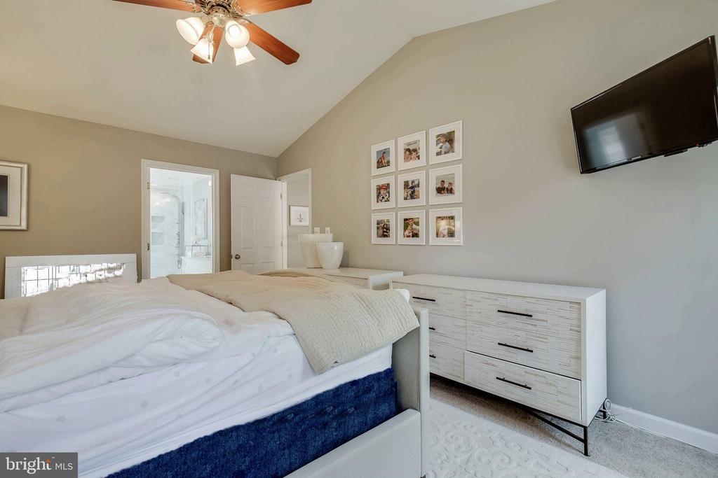 Master Suite - 4257 MOOT DR, DUMFRIES