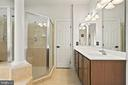 Large walk in glass shower - 5442 EAGLE OWL CT, WALDORF