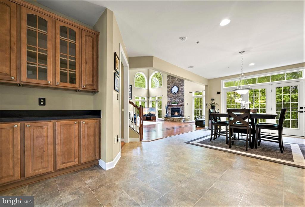 Built in Hutch in the Eat In Kitchen - 5442 EAGLE OWL CT, WALDORF