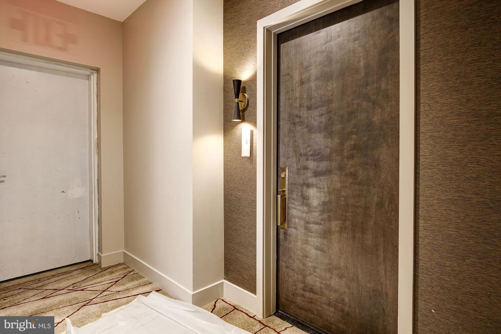 #303 is an end residence abutting a stairwell - 801 N NW #303, WASHINGTON
