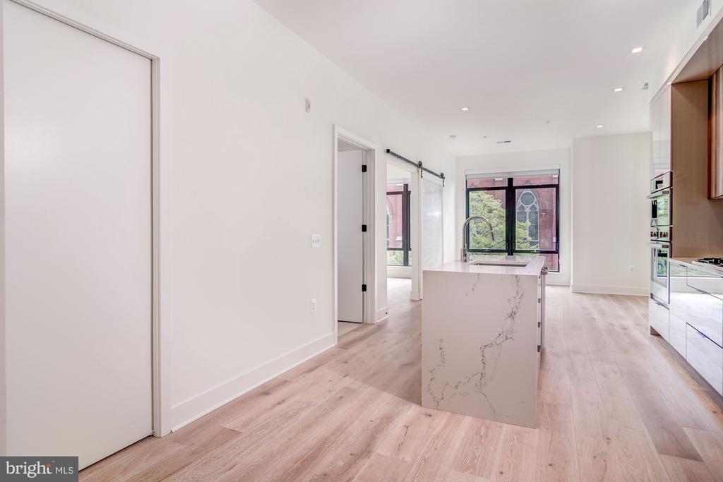 Den to the left, open floor plan living - 801 N NW #303, WASHINGTON