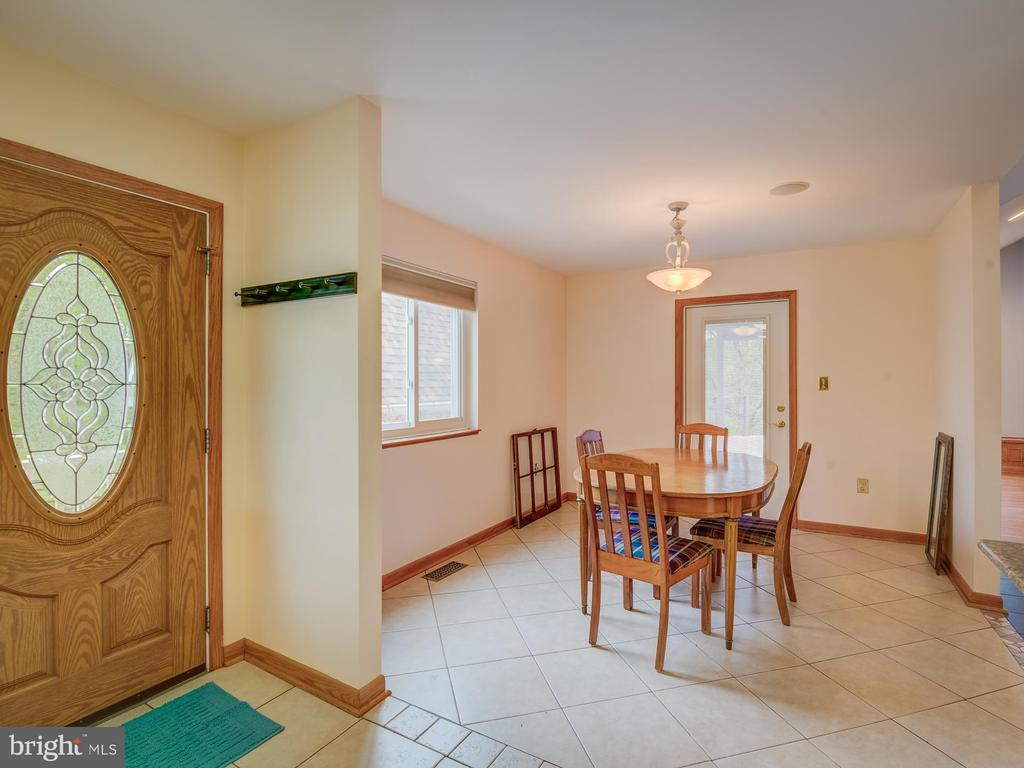 Oversized Kitchen With Ample Room For Large Tables - 5917 WILD FLOWER CT, ROCKVILLE