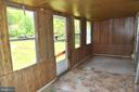 Side Porch - 20 BUTTERCUP LN, STAFFORD