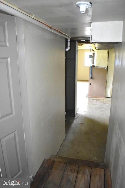 Basement Hallway - 20 BUTTERCUP LN, STAFFORD