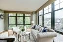 Plenty of light  from floor to ceiling windows - 1021 N GARFIELD ST #409, ARLINGTON