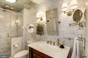 Luxurious upgraded bathrooms. - 1021 N GARFIELD ST #409, ARLINGTON