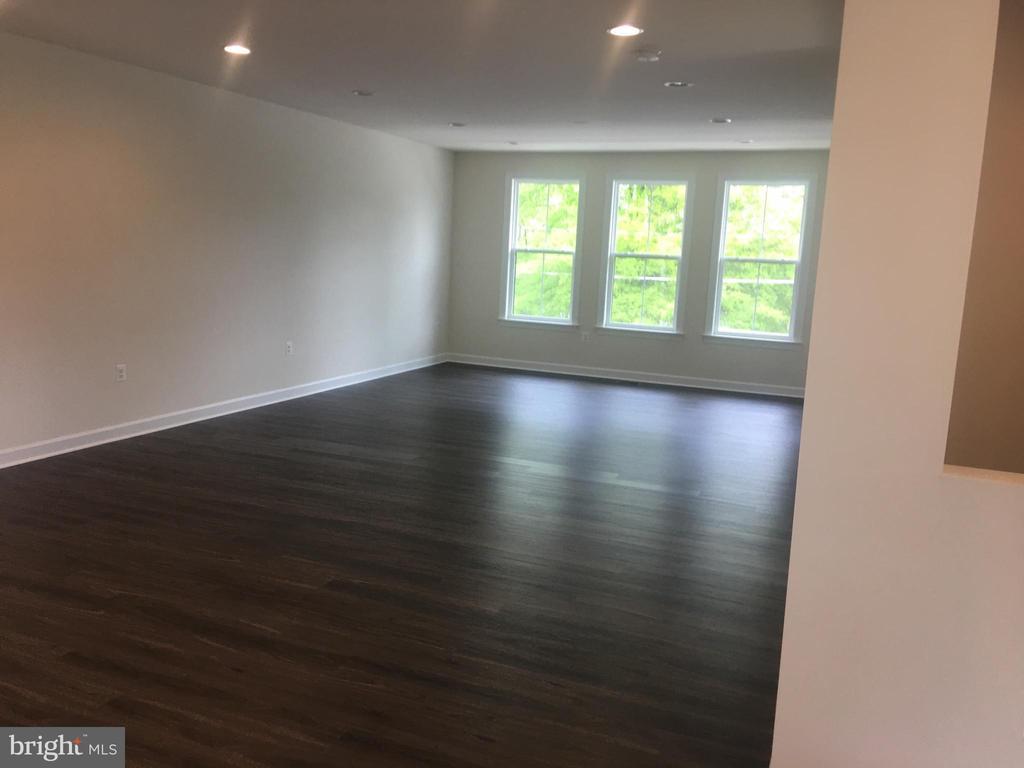 Great Room - 4120 ELMWOOD ST, CHANTILLY