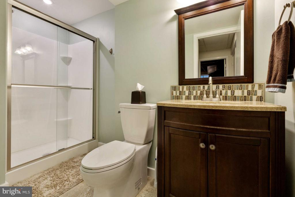 3rd Full Bath in Lower Level - 6505 CRAYFORD ST, BURKE