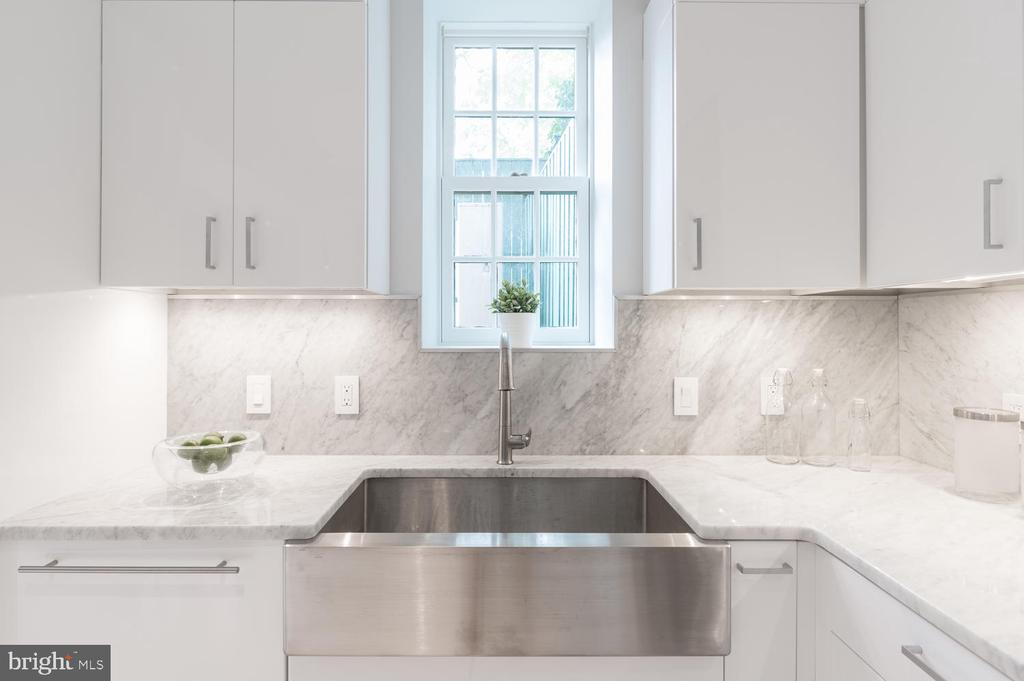 Marble Countertops and Backsplash - 2709 N ST NW #103, WASHINGTON