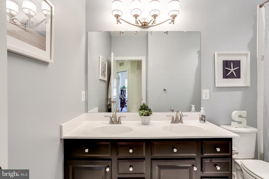 Shared Upper Level Full Bath - 148 MERRIMACK WAY, ARNOLD